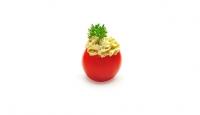 Tomate cerise farcie à la crème de pesto